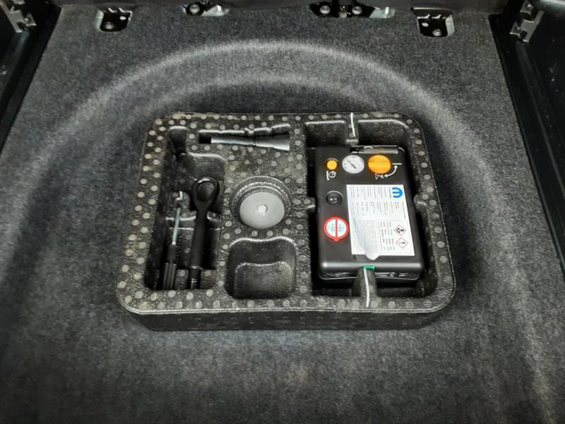 Photo 15 de l'offre de JEEP COMPASS 1.6 I MultiJet II 120 ch BVM6 Longitude business à 20990€ chez Centrale Auto Marché Mussidan