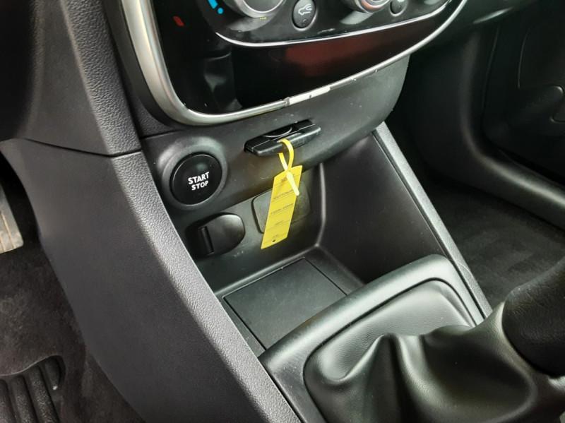 Photo 48 de l'offre de RENAULT CLIO IV Tce 75ch Trend à 8490€ chez Centrale Auto Marché Mussidan