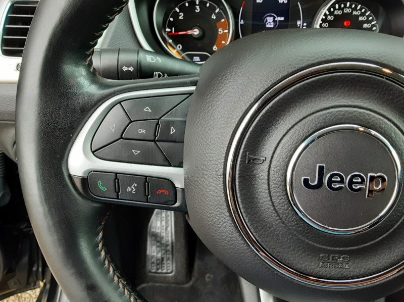 Photo 49 de l'offre de JEEP COMPASS 1.6 I MultiJet II 120 ch BVM6 Longitude business à 20990€ chez Centrale Auto Marché Mussidan