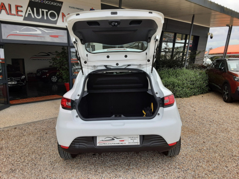 Photo 14 de l'offre de RENAULT CLIO IV Tce 75ch Trend à 8490€ chez Centrale Auto Marché Mussidan