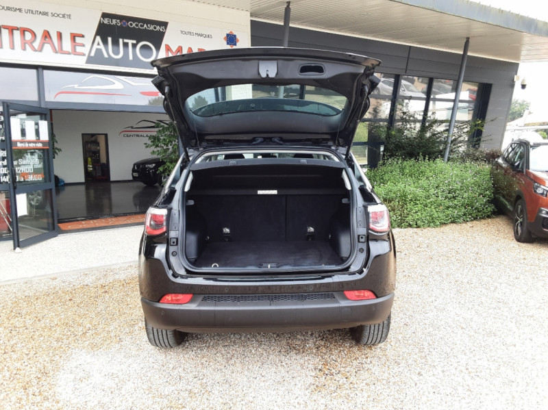 Photo 13 de l'offre de JEEP COMPASS 1.6 I MultiJet II 120 ch BVM6 Longitude business à 20990€ chez Centrale Auto Marché Mussidan