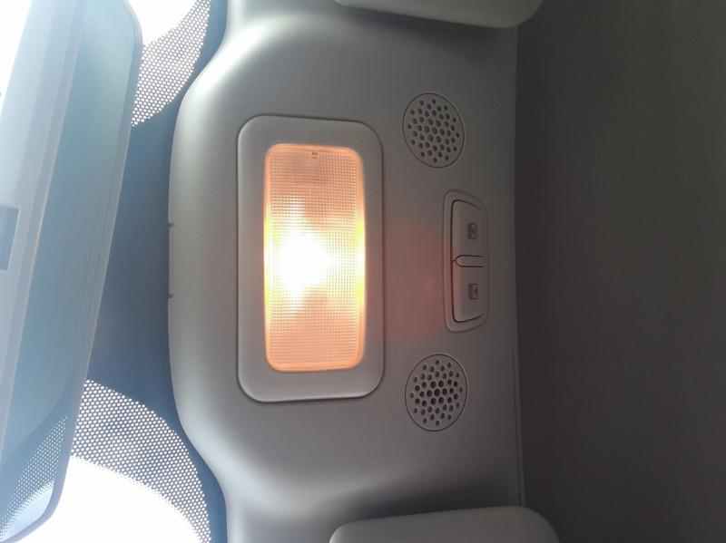 Photo 25 de l'offre de FIAT 500 C 1.2 69 ch Lounge  à 12990€ chez Centrale Auto Marché Mussidan