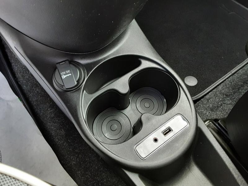 Photo 33 de l'offre de FIAT 500 C 1.2 69 ch Lounge  à 12990€ chez Centrale Auto Marché Mussidan