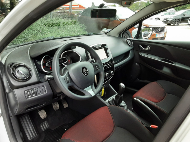 Photo 22 de l'offre de RENAULT CLIO IV Tce 75ch Trend à 8490€ chez Centrale Auto Marché Mussidan