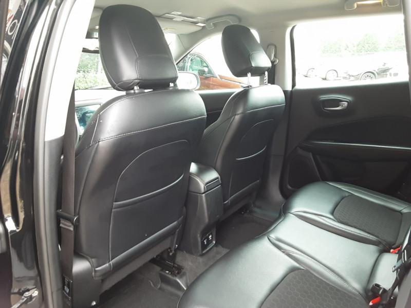 Photo 26 de l'offre de JEEP COMPASS 1.6 I MultiJet II 120 ch BVM6 Longitude business à 20990€ chez Centrale Auto Marché Mussidan