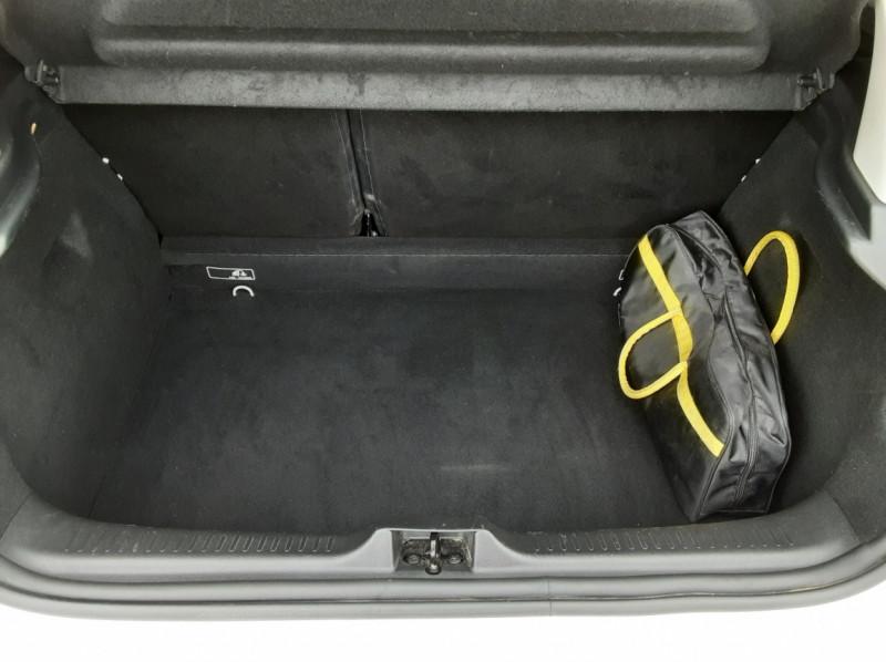 Photo 15 de l'offre de RENAULT CLIO IV Tce 75ch Trend à 8490€ chez Centrale Auto Marché Mussidan