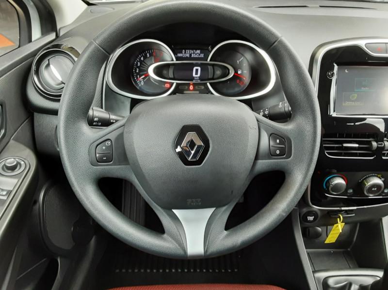 Photo 36 de l'offre de RENAULT CLIO IV Tce 75ch Trend à 8490€ chez Centrale Auto Marché Mussidan