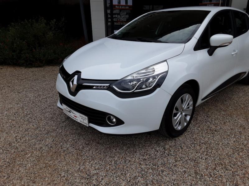 Photo 4 de l'offre de RENAULT CLIO IV Tce 75ch Trend à 8490€ chez Centrale Auto Marché Mussidan