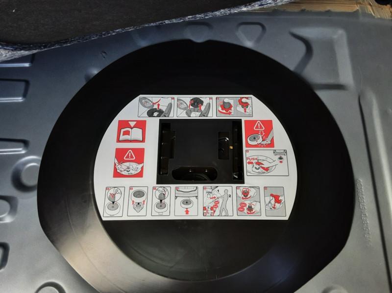 Photo 21 de l'offre de RENAULT CLIO dCi 75 Energy Business à 11490€ chez Centrale Auto Marché Mussidan