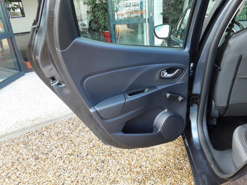 Photo 35 de l'offre de RENAULT CLIO dCi 75 Energy Business à 11490€ chez Centrale Auto Marché Mussidan