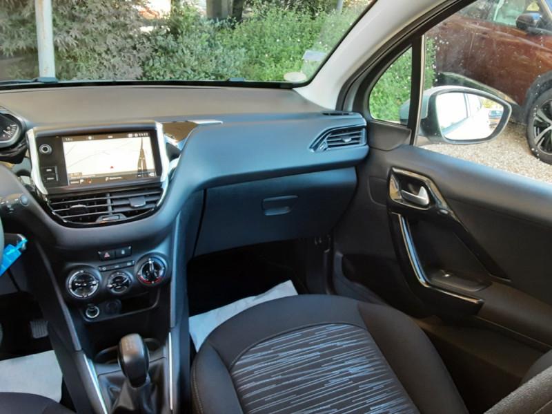 Photo 19 de l'offre de PEUGEOT 208 AFFAIRE 1.6 BLUEHDI 100 BVM5 PREMIUM à 8490€ chez Centrale Auto Marché Mussidan