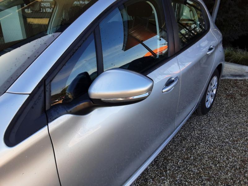 Photo 15 de l'offre de PEUGEOT 208 AFFAIRE 1.6 BLUEHDI 100 BVM5 PREMIUM à 8490€ chez Centrale Auto Marché Mussidan