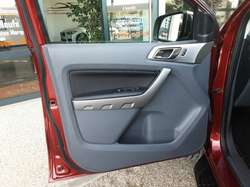 Photo 17 de l'offre de FORD RANGER DOUBLE CABINE 2.2 TDCi 160CH SetS 4X4 XLT SPORT à 28900€ chez Centrale Auto Marché Mussidan