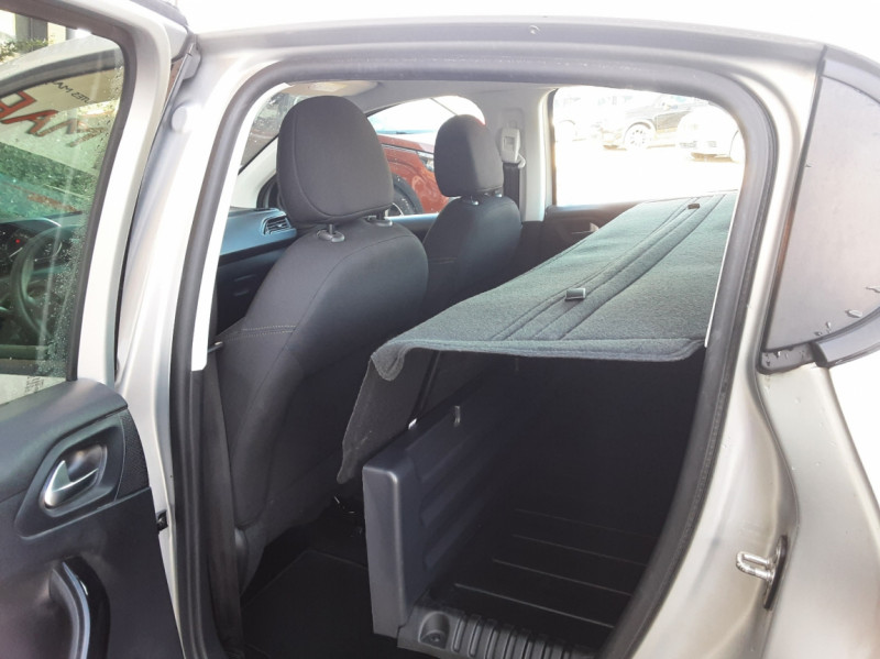 Photo 45 de l'offre de PEUGEOT 208 AFFAIRE 1.6 BLUEHDI 100 BVM5 PREMIUM à 8490€ chez Centrale Auto Marché Mussidan
