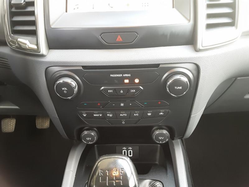 Photo 20 de l'offre de FORD RANGER DOUBLE CABINE 2.2 TDCi 160CH SetS 4X4 XLT SPORT à 28900€ chez Centrale Auto Marché Mussidan