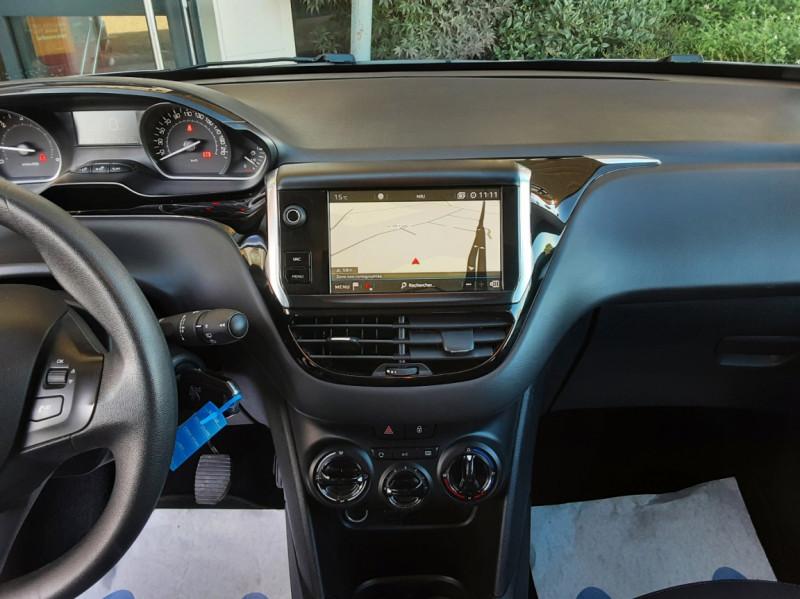 Photo 21 de l'offre de PEUGEOT 208 AFFAIRE 1.6 BLUEHDI 100 BVM5 PREMIUM à 8490€ chez Centrale Auto Marché Mussidan