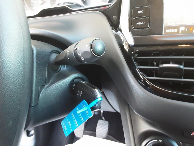 Photo 36 de l'offre de PEUGEOT 208 AFFAIRE 1.6 BLUEHDI 100 BVM5 PREMIUM à 8490€ chez Centrale Auto Marché Mussidan