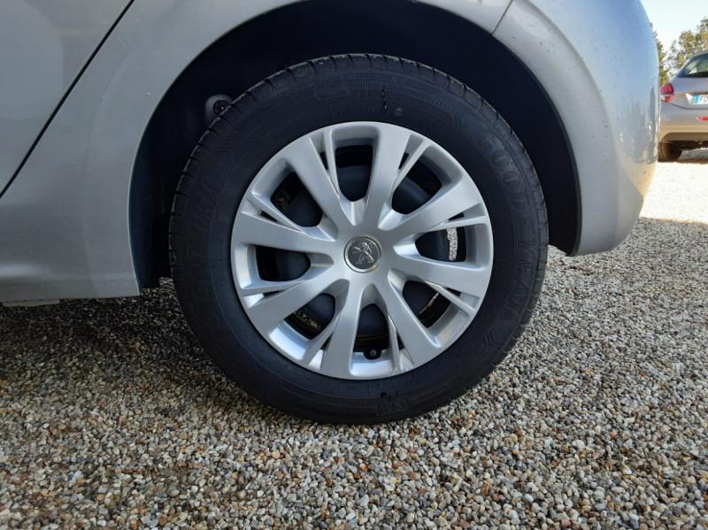 Photo 9 de l'offre de PEUGEOT 208 AFFAIRE 1.6 BLUEHDI 100 BVM5 PREMIUM à 8490€ chez Centrale Auto Marché Mussidan
