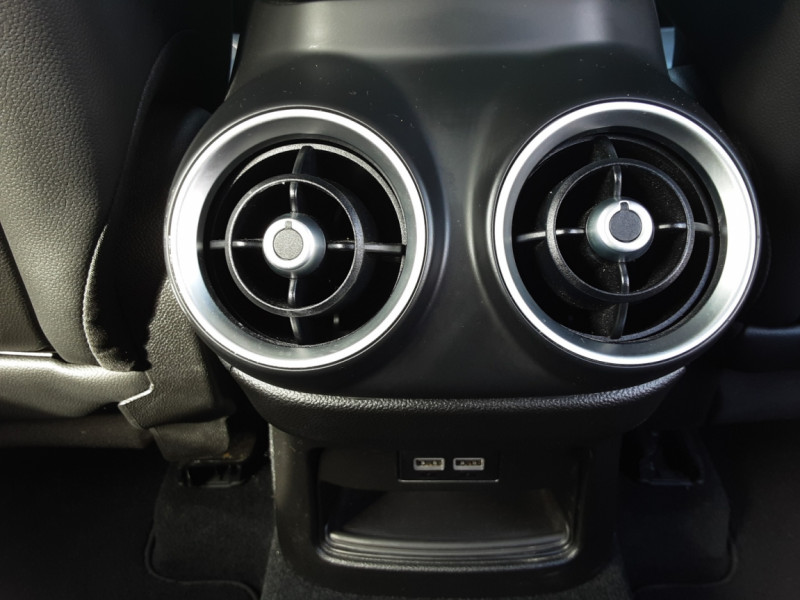 Photo 17 de l'offre de ALFA ROMEO STELVIO 2.2 190 ch AT8 Super  à 32900€ chez Centrale Auto Marché Mussidan