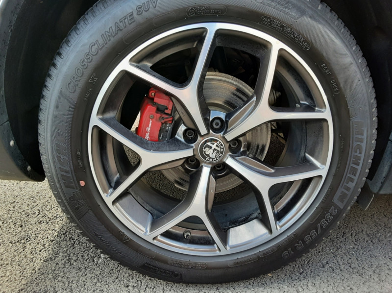 Photo 6 de l'offre de ALFA ROMEO STELVIO 2.2 190 ch AT8 Super  à 32900€ chez Centrale Auto Marché Mussidan