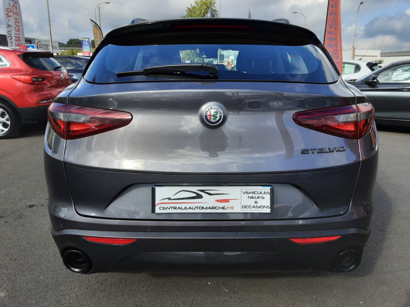 Photo 8 de l'offre de ALFA ROMEO STELVIO 2.2 190 ch AT8 Super  à 32900€ chez Centrale Auto Marché Mussidan