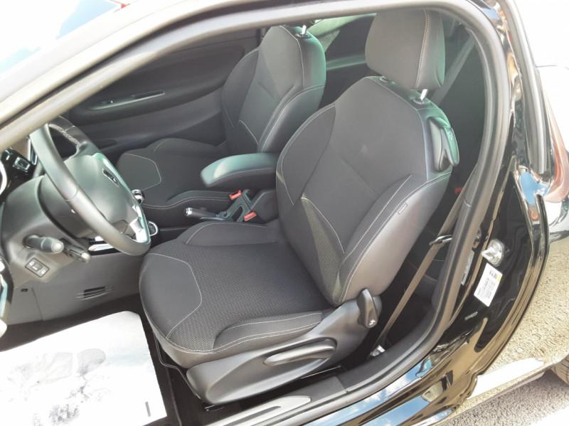 Photo 35 de l'offre de DS DS3 BlueHDi 100 SetS BVM5 So Chic à 13990€ chez Centrale Auto Marché Mussidan