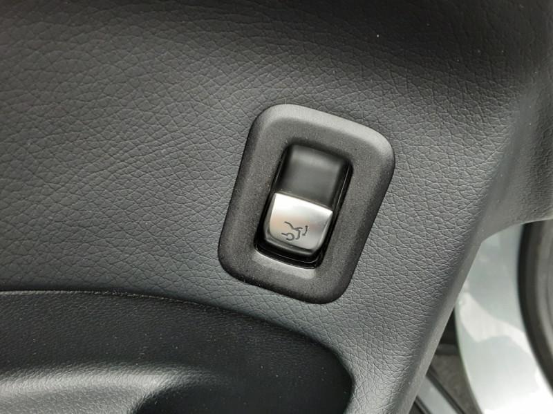 Photo 32 de l'offre de MERCEDES-BENZ CLASSE GLC 250 d 9G-TRONIC 4Matic Business Executive à 35990€ chez Centrale Auto Marché Mussidan