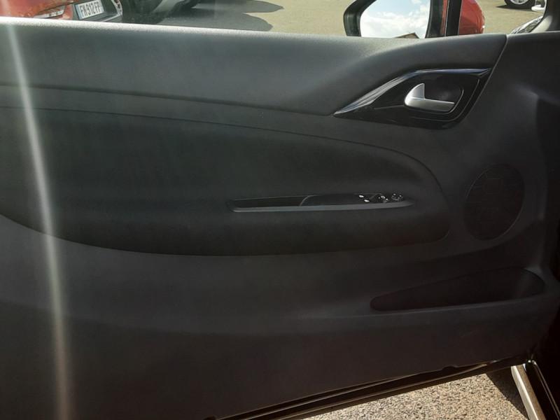 Photo 22 de l'offre de DS DS3 BlueHDi 100 SetS BVM5 So Chic à 13990€ chez Centrale Auto Marché Mussidan
