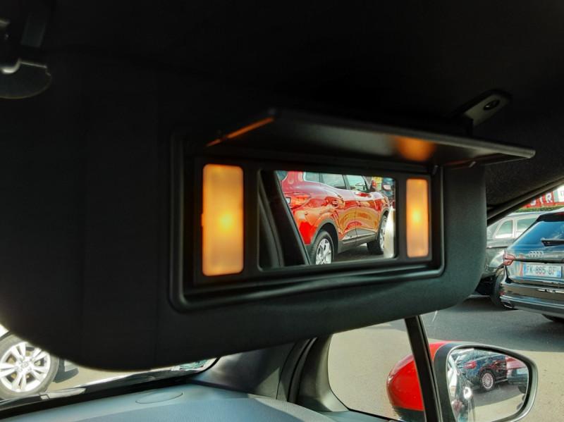 Photo 38 de l'offre de DS DS3 BlueHDi 100 SetS BVM5 So Chic à 13990€ chez Centrale Auto Marché Mussidan