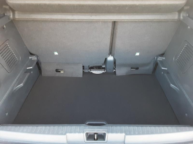Photo 14 de l'offre de RENAULT CAPTUR Captur TCe 90 Zen à 13990€ chez Centrale Auto Marché Mussidan