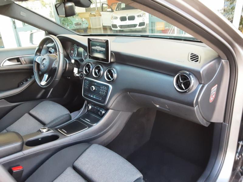 Photo 27 de l'offre de MERCEDES-BENZ CLASSE A 180 d 7G-DCT Business Edition à 17700€ chez Centrale Auto Marché Mussidan