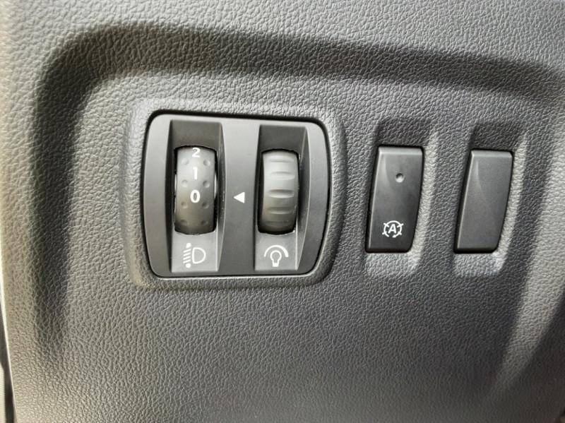 Photo 39 de l'offre de RENAULT CAPTUR dCi 90 Energy Business  à 11900€ chez Centrale Auto Marché Mussidan