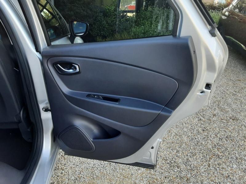 Photo 29 de l'offre de RENAULT CAPTUR Captur TCe 90 Zen à 13990€ chez Centrale Auto Marché Mussidan