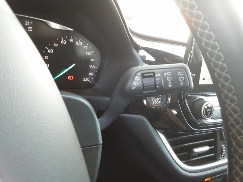 Photo 50 de l'offre de FORD FIESTA 1.5 85 CH SetS BVM6 TITANIUM à 13800€ chez Centrale Auto Marché Mussidan
