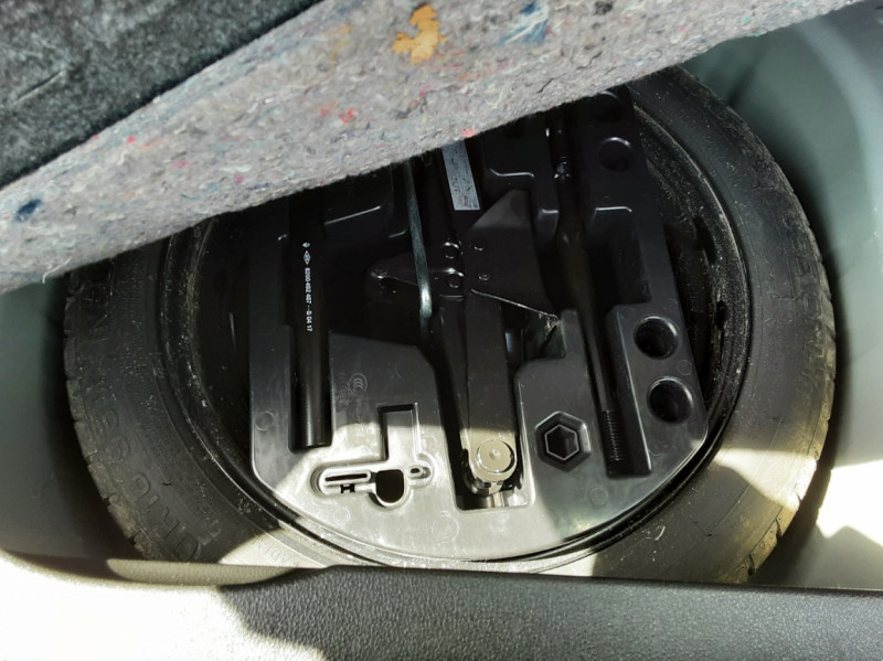 Photo 38 de l'offre de RENAULT CAPTUR dCi 90 Energy Business  à 11900€ chez Centrale Auto Marché Mussidan