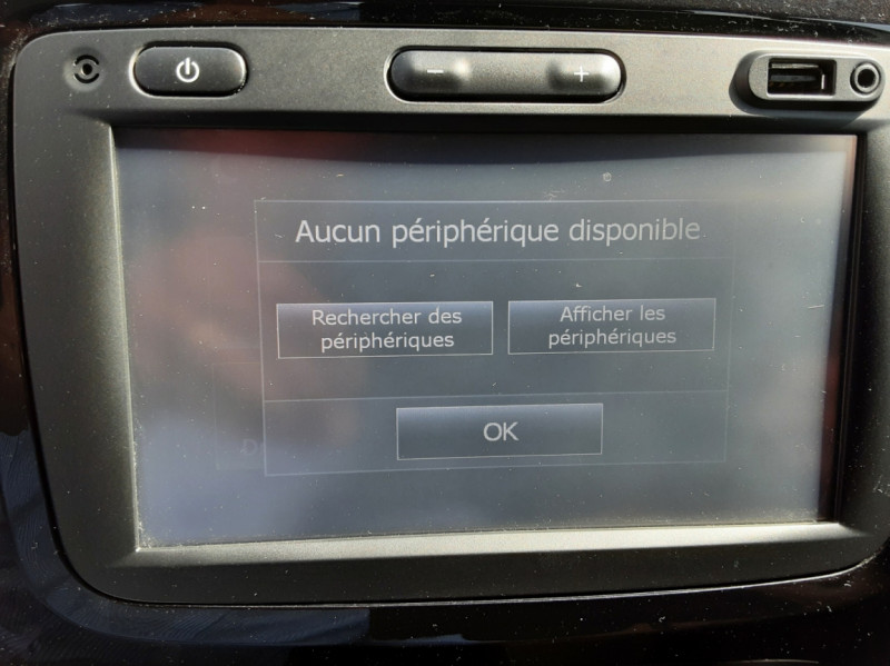 Photo 30 de l'offre de RENAULT CAPTUR dCi 90 Energy Business  à 11900€ chez Centrale Auto Marché Mussidan