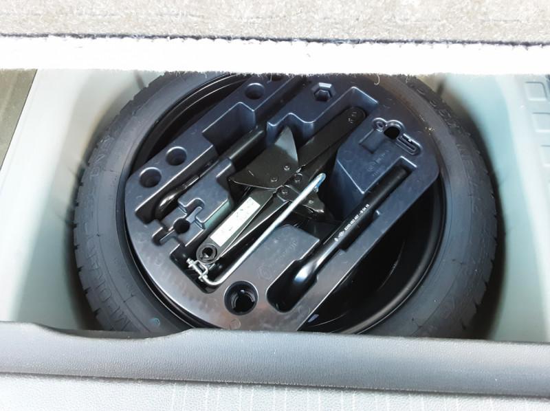 Photo 16 de l'offre de RENAULT CAPTUR Captur TCe 90 Zen à 13990€ chez Centrale Auto Marché Mussidan