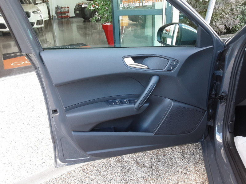 Photo 16 de l'offre de AUDI A1 Sportback 1.4 TDI 90CH S tronic Business Line à 18490€ chez Centrale Auto Marché Mussidan