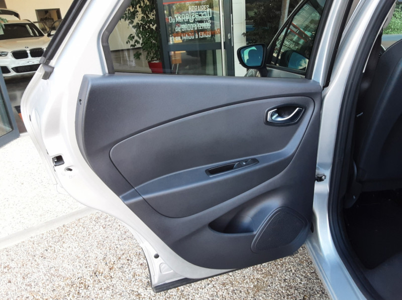 Photo 22 de l'offre de RENAULT CAPTUR Captur TCe 90 Zen à 13990€ chez Centrale Auto Marché Mussidan