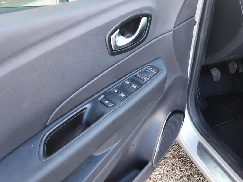 Photo 19 de l'offre de RENAULT CAPTUR Captur TCe 90 Zen à 13990€ chez Centrale Auto Marché Mussidan