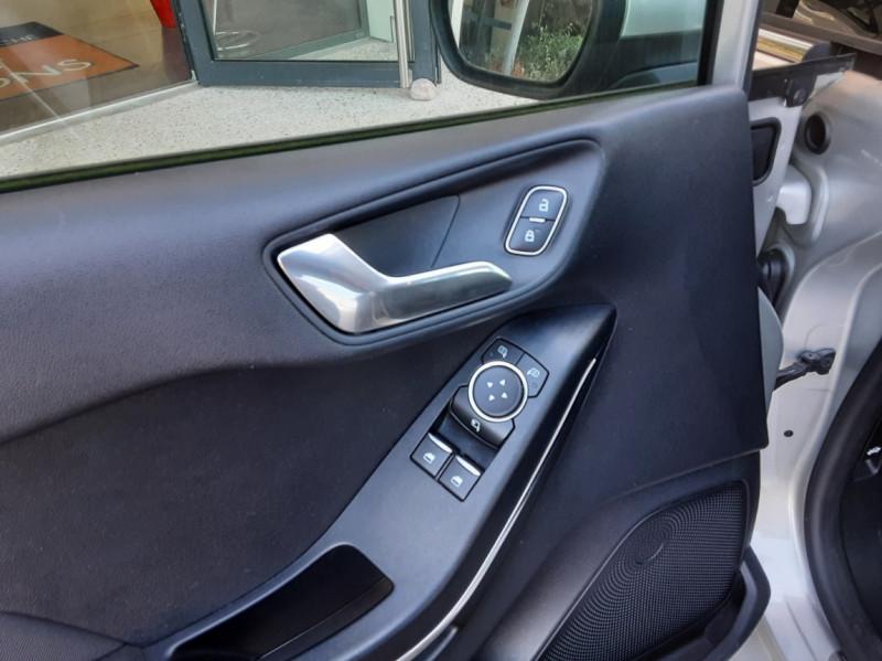 Photo 19 de l'offre de FORD FIESTA 1.5 85 CH SetS BVM6 TITANIUM à 13800€ chez Centrale Auto Marché Mussidan