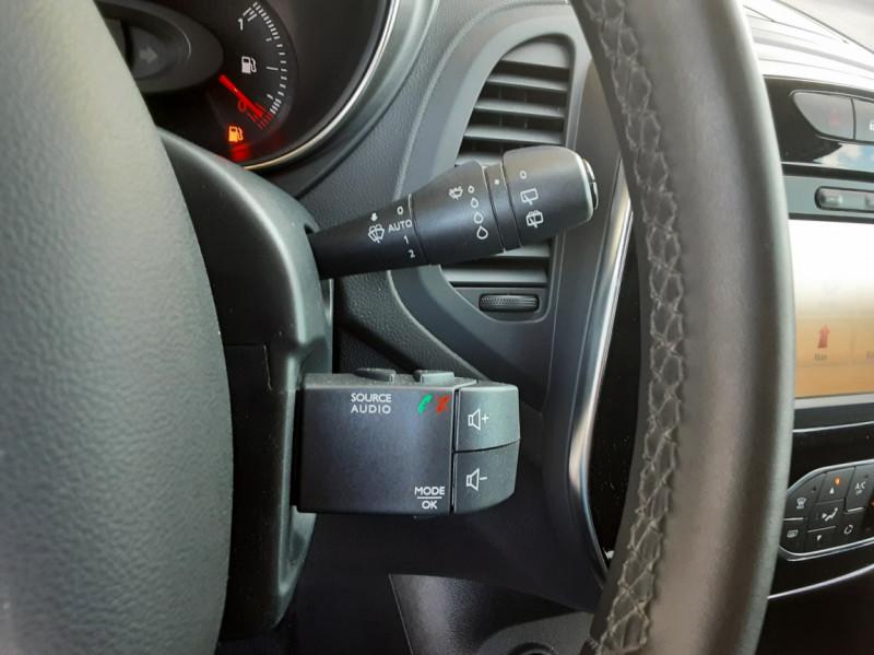 Photo 46 de l'offre de RENAULT CAPTUR Captur TCe 90 Zen à 13990€ chez Centrale Auto Marché Mussidan