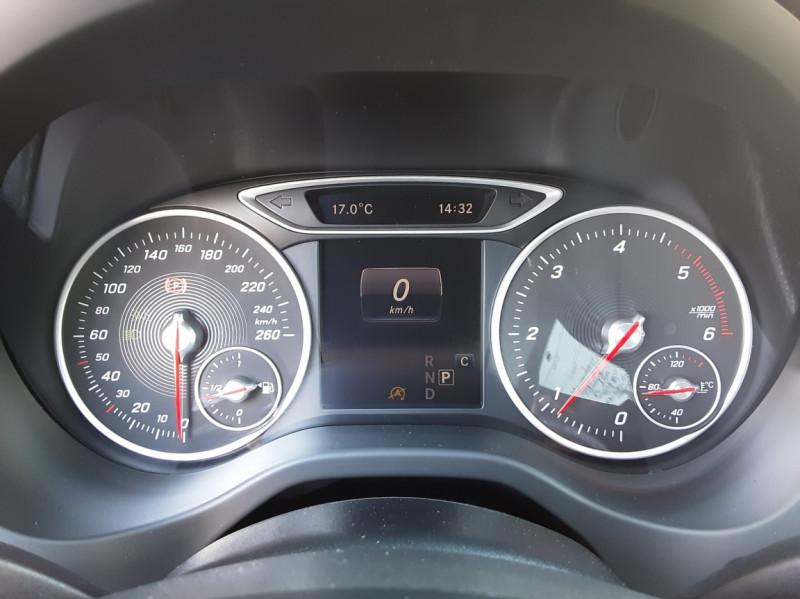 Photo 43 de l'offre de MERCEDES-BENZ CLASSE A 180 d 7G-DCT Business Edition à 17700€ chez Centrale Auto Marché Mussidan