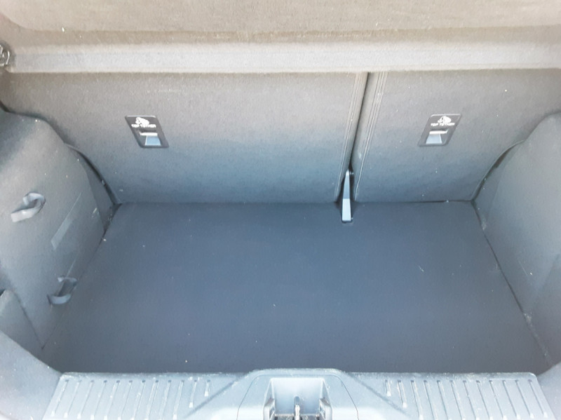 Photo 13 de l'offre de FORD FIESTA 1.5 85 CH SetS BVM6 TITANIUM à 13800€ chez Centrale Auto Marché Mussidan