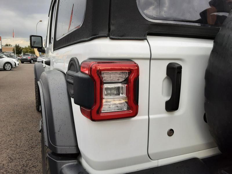 Photo 11 de l'offre de JEEP WRANGLER Unlimited 2.2 l MultiJet 200 ch 4x4 BVA8 Rubicon à 54990€ chez Centrale Auto Marché Mussidan