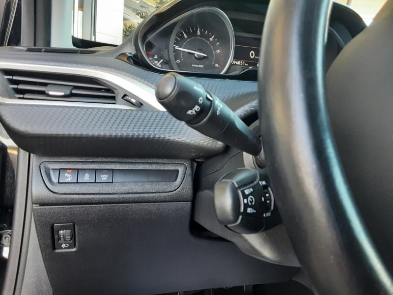 Photo 44 de l'offre de PEUGEOT 2008 1.6 BlueHDi 100ch SetS BVM5 Allure Business à 13890€ chez Centrale Auto Marché Mussidan