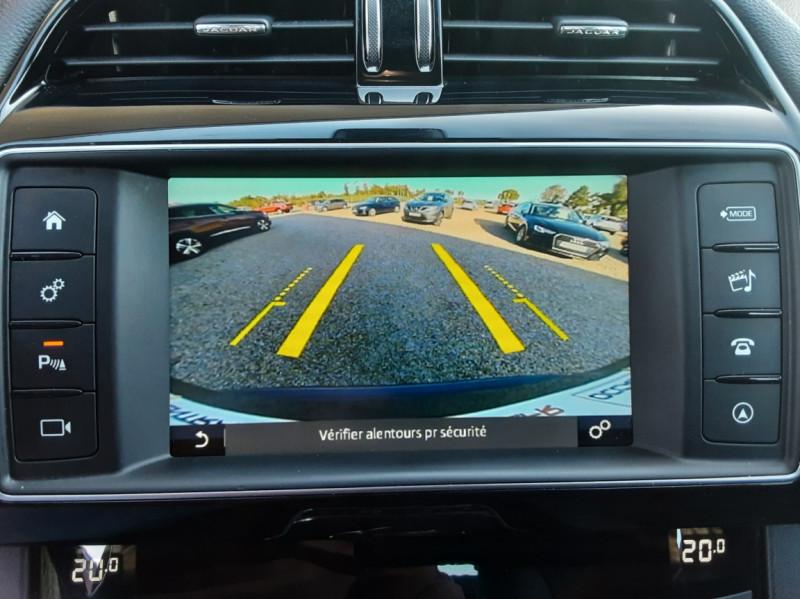 Photo 50 de l'offre de JAGUAR F-PACE 2.0 D - 180 ch AWD BVA8 Prestige à 28490€ chez Centrale Auto Marché Mussidan