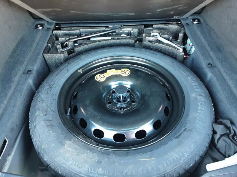 Photo 17 de l'offre de JAGUAR F-PACE 2.0 D - 180 ch AWD BVA8 Prestige à 28490€ chez Centrale Auto Marché Mussidan