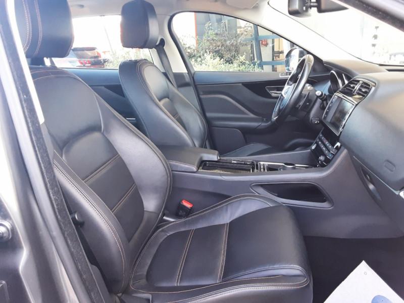 Photo 28 de l'offre de JAGUAR F-PACE 2.0 D - 180 ch AWD BVA8 Prestige à 28490€ chez Centrale Auto Marché Mussidan