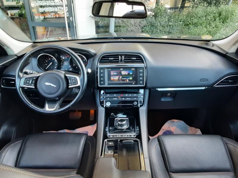 Photo 31 de l'offre de JAGUAR F-PACE 2.0 D - 180 ch AWD BVA8 Prestige à 28490€ chez Centrale Auto Marché Mussidan
